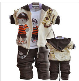 Wholesale casual and cute three pieces set loose cartoon bear jacket t shirt trousers suit children set