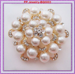Wholesale Gold Plated Beautiful Pearl Women Costume brooches