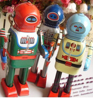 Wholesale Winding walking tin toys Divers robot cm green yellow