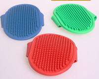 Wholesale Oval pet beauty bathing massage bath brush dog rubber intrafamilial transmission brush