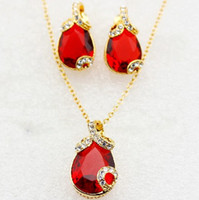 Wholesale Edgy Ruby gold plated necklace jewellery set elegant luxurious two pieces of jewellery
