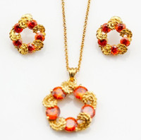 Wholesale Ruby feather shaped gold plated necklace jewellery set elegant two pieces of jewellery