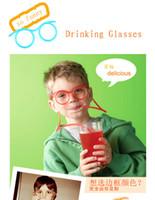 achat en gros de lunettes de soleil à boire-Lunettes de soleil de vente chaude potable de paille Enfants drôles lunettes de soleil colorées Poupée de bricolage Flexible unique lunettes de soleil de boisson Tube Kids Party Gift