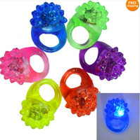 Wholesale 2014 Fashion Strawberry Led Light Flash Ring Thermoplastic Elastomer Ru bber Rings Party Bar jewelry