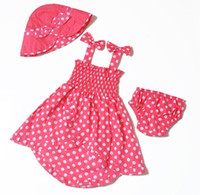 Wholesale good gift for baby girls the cloth is piece set hat sleeveless dress short pints
