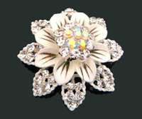 lots costume jewelry - hot sell women fashion Silver plated rhinestone flowers Brooches costume jewelry white BH645