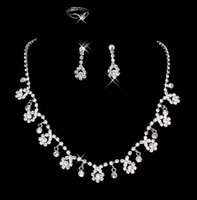 Wholesale 2012 New Arrival Cheap Clearance Flower Silver Homecoming Party Wedding Bridal Accessories Set