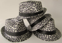 Wholesale leopard print caps white grey fitted caps fashion caps medium size for almost
