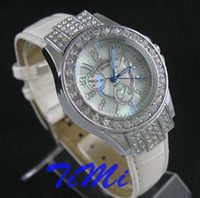 Wholesale White Ladies Woman Luxury Crystal Quartz Leather Watch new
