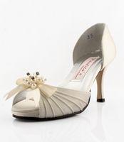 Wholesale Low heel Elegant wedding shoes bridal shoes party dress shoes ivory sandals size A423