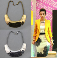 Wholesale Heavy Geometry European Style Luxury Punk Metal Crescent Snake Chain Choker Bib Necklace