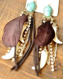 idealway Bohemian Feather Gem Dangle Earring Western Style Clear Rhinestone Leather Hot Pepper Shape Long Tassels