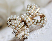 Wholesale Bowknot Ring Adjustable Retro Style Simple Noble Bronze Metal Lovely White Cute Pearl in stock