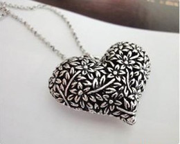 Wholesale Han edition big love to restore ancient ways hollow out love form carve patterns or designs on peach