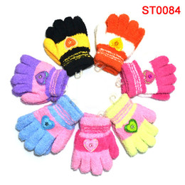 Wholesale 340pcs pairs Plush children mittens color mixed heart shaped logo winter to keep warmS