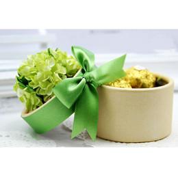 Wholesale Beautiful Wedding Favours Candy Box Wedding Favor Boxes Round Candy Box with Green Flowers FFF