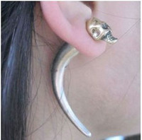 Wholesale wolf tooth Vintage Punk Rock Skull Stud Earrings With Spike Rivet Horn