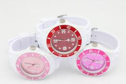 200pcs / lot los cuartos blancos unisex de los 43MM + los colores dobles colorean el envío libre de DHL del cuarzo del caramelo de la manera del reloj de la jalea desde cara multicolor reloj blanco proveedores