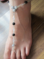 Wholesale barefoot stretch anklet chain with toe ring retailes black and white plastic beads mixed