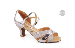 Wholesale Ballroom dance shoes dance shoes Latin shoes for women high heeled adult Latin shoes soft bottom Gold and silver In stock Factory outlets