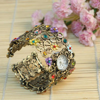 Wholesale Beauty christmas gift wrist watches women Vintage Bangle Bracelet wrist watch Rhinestone watch H8606