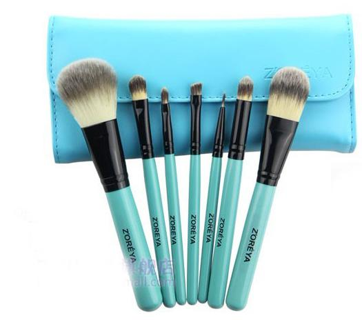 blue makeup brushes