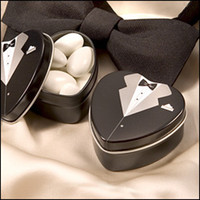 Wholesale Bride and Groom Tuxedo Candy box Heart Shape Love Tin Candy box Containers Wedding Favors Party Gift