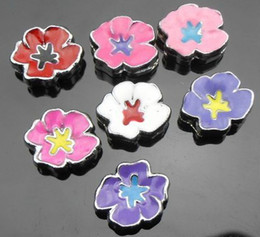 50pcs lot 8mm mix colors flower Slide Charms diy accessories Fit for 8mm leather bracelet wristband keychains