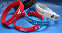 Wholesale 500pcs custom texts amp logo rubber wristbands EG WBP001 silicone bracelet for events amp promotion gift