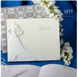 Wholesale Bride and Groom Design Wedding Guest Book in White Resin for Wedding Decoration Party Ceremony