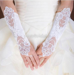 Wholesale 2014 SSJ White Bridal Gloves About cm Luxury Lace Diamond Flower Glove Wedding Dress Accessories For Wedding Dresses Bridal Gowns N156