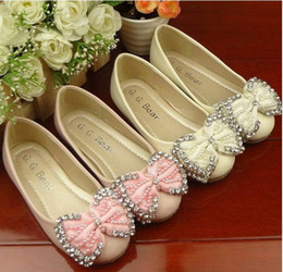 Wholesale new arrival korea Pearl with diamond butterfly knot children oxford shoes girls princess shoes Openi