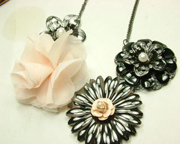 Black Flowers + Chiffon Flower Necklace New Hot Sell