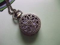 Wholesale 2012 Hot Antique Mini Pocket Watch Necklace bronze Spider Web flower wp355