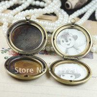Lockets antique brass picture frame - Vintage Antique Bronze Brass Picture Photo Frame Locket Pendant Diy Jewelry Finding Setting