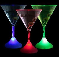 martini glasses - Party Pub Home Light up Martini Cocktail Glasses Champagne Glass LED Plastic Glowing Tableware Dinnerware