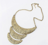 Wholesale Burnish Silver Tone Hammered Decor Metal Western Statement Necklace