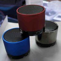 Bon Marché Boîte de haut-parleur de radio-Aluminium nouveaux haut-parleurs Portable haut-parleur Mini Digital Audio Radio haut-parleurs avec boîte au détail