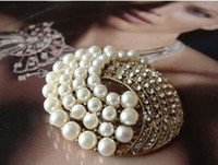 Wholesale 70 OFF high fashion luxious alloy crystal beaded brooch vintage brooch with retail packing