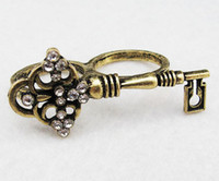 Wholesale Vintage Style Rhinestone Key Silver Bronze Two Finger Ring And unisex jewelry