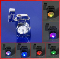 Livraison gratuite LED colorée Falsh Light Watch Flip Top Jet Flame Briquet coupe-vent à vent