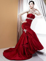 Wholesale High glamour Hot Red Court Train Beaded Waistband Crystal Brooch Wedding Gowns Bridal Dresses