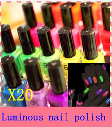 Wholesale Fashion NEW Luminous Nail Art Polish Varnish Glow in the Dark Nail Polish Lacquer colors