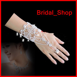 Wholesale New Style Delicate Rhinestone Bracelets With Ring Brides Bridesmaid Bracelets Wedding Bridal Jewelry