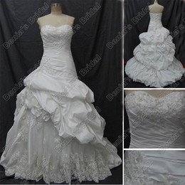 Wholesale 2012 Modest Puffy Ball Gown Sweetheart Wedding Dress Beaded Lace Appliques Real Actual Images DB20