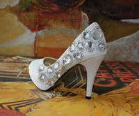 Pumps Kitten Heel Almond Shaped Toe Cheap Gold Red Color Waterproof Diamond flower Dazzling High Heels Shoes Wedding Bridal shoes 2012