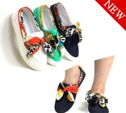 Wholesale New Girls Canvas Shoes princess flat low sneakers velcro bowknot blue white green sizes B02105