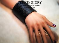 Wholesale Lady Wide Bracelet PU Leather Snake Style Black Green Zebra Low Price PC NO