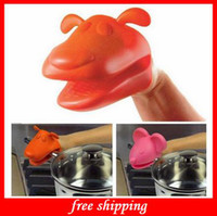 Wholesale Kitchen Gadgets Silicone Rubber Dog Frog Animal Shape Baking Tool Insulation Hot Oven Mitt Glove