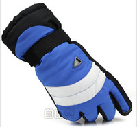 Wholesale Skiing Gloves Outdoor Winter Warm Gloves Prevent Slippery Waterproof pairs per